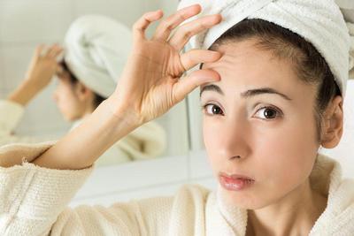 Hiii, 3 Hal Ini Bisa Terjadi Pada Kulitmu Jika Lupa Hapus Makeup di Malam Hari!
