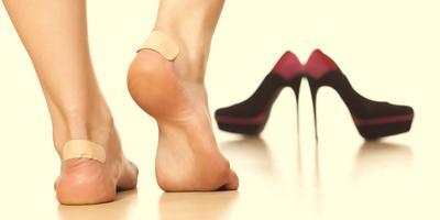 Wah! Ini Dia Tips Untuk Mengatasi Kaki Lecet Saat Pakai Sepatu Baru