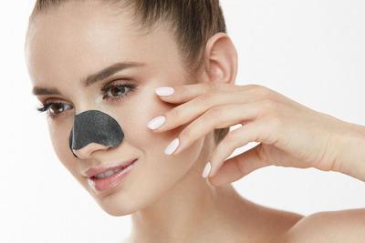 Waduh, 3 Produk Make Up Ini Rupanya Bisa Menyebabkan Munculnya Komedo, Lho!