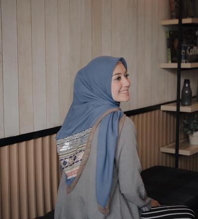 Girls! Ini Dia Tips Hijab yang Tepat Untuk Samarkan Pipi Chubby Kamu