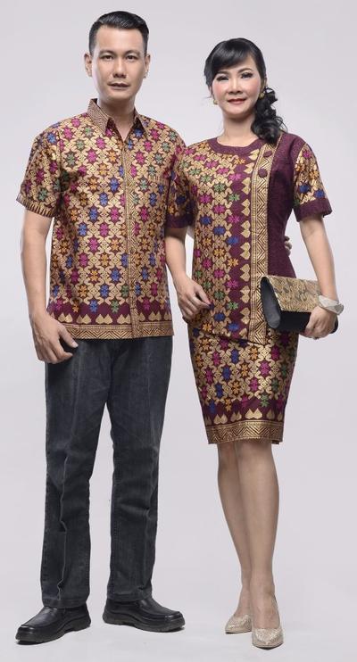 Bikin Baper yang Lain, Pakai Outfit Seperti Ini Bareng Pasangan Saat Menghadiri Kondangan
