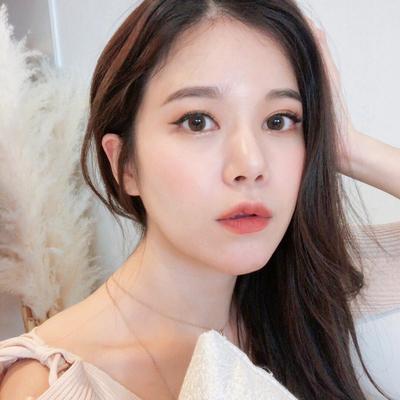 Selain PONY, 2 YouTuber Korea Ini Juga Punya Make Up Look yang Tak Kalah Kece!