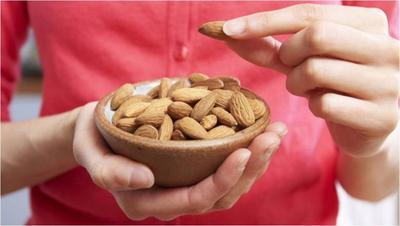 #FORUM Bener Gak Kacang Bisa Membuat Wajah Berjerawat?