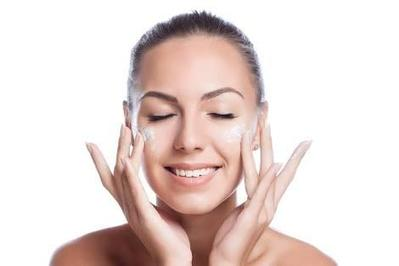 #FORUM Produk Skincare Apa ya yang Paling Ampuh Buat Acne Prone Skin?
