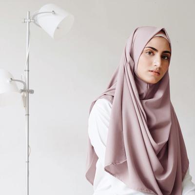 Meskipun Lagi Hits, Ternyata Ini Plus Minus Memakai Hijab Instan yang Lagi Kekinian