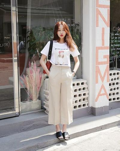 Statement Tees with Basic Culottes