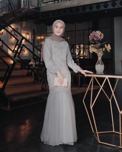 Tidak Perlu Bingung Lagi, Ini Dia Beberapa Inspirasi Dress Pesta untuk Para Hijabers