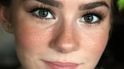 Mudah Membuat Freckles Palsu Agar Penampilan Lebih Imut, Ini yang Bisa Kamu Lakukan!