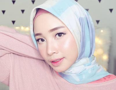 Deretan 5 Beauty Vlogger Berhijab yang Wajib Kamu Subscribe di YouTube!