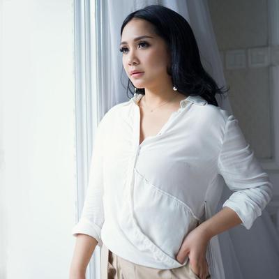 Inspirasi Makeup Ala Nagita Slavina dari yang Natural Hingga Glamour!