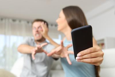 #FORUM Apa Ciri-ciri Pasangan yang Selingkuh?