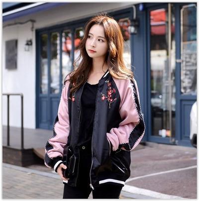 4 Model Jaket Ini Diklaim Akan Hits Banget di Sepanjang 2018, Sudah Punya?