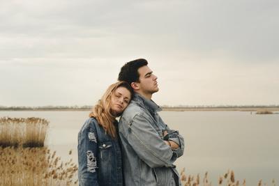 5 Alasan Bertengkar Paling Sering yang Akan Kamu Hadapi Saat Bersama Pria Belum Dewasa