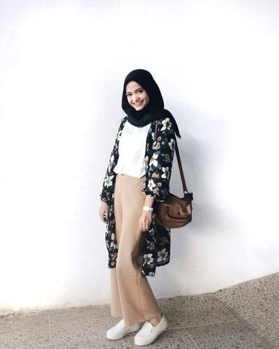 Modis dan Nyaman, Padu Padan Style Hijab untuk Menonton Konser Ini Wajib Kamu Coba