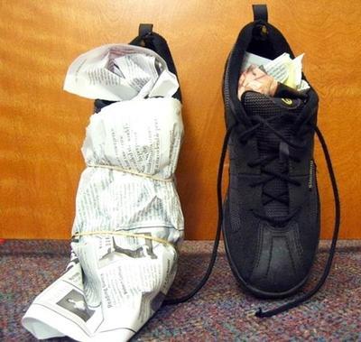 Jangan Sampai Sepatu Kamu Bau! Coba 5 Cara Ini untuk Mencegahnya!