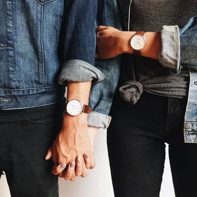 Selain Baju, Ini 5 Barang Couple Keren yang Bisa Kamu Pakai Kembaran dengan Pacar