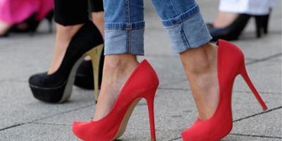 Sepatu yang Baru Kamu Beli Ternyata Kebesaran? Atasi dengan Cara Berikut Ini