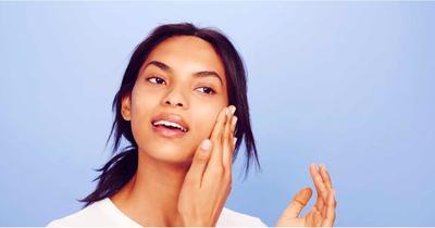 Inilah Tips Makeup Tanpa Foundation yang Perlu Kamu Coba, Ladies!