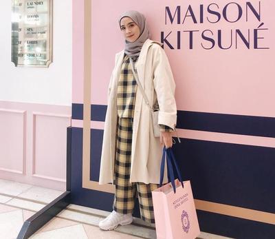 Hijabers, Ini Tips untuk Tampil Lebih Stylish dengan Hijab dan Model Outfit Kotak-kotak