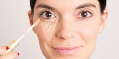 Ladies, Begini Cara Mengatasi Makeup yang Cracking di Bawah Mata