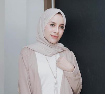 Deretan Warna Hijab yang Akan Membuat Kulitmu Terlihat Lebih Cerah dan Tak Kusam