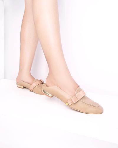 Sepatu Baru yang Cantik Ini Bisa Kamu Beli di 4 Rekomendasi Online Shop Ini!
