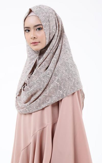 Kamu Pecinta Hijab Instan? Jangan Salah Pilih! Ini Dia Beberapa Tips untuk Memilih Sesuai Bentuk Wajah Kamu