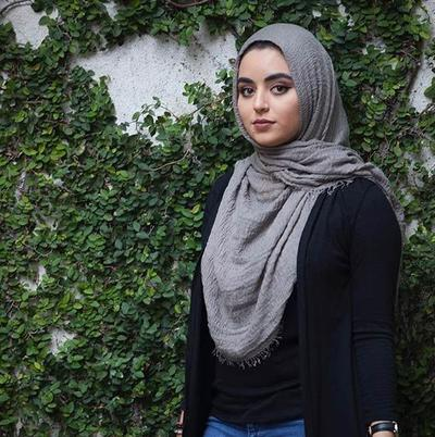 Loose-y Hijab Style for Round Face
