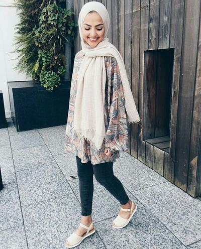 Tampil Stylish Tanpa Ribet, Ini Style Hijab Casual yang Cocok untuk Dipakai Ke Dufan