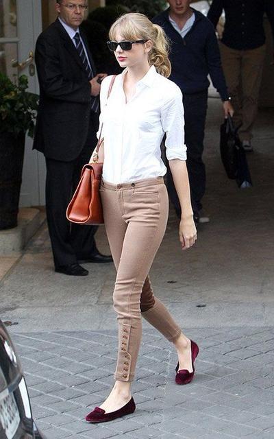 5 Tips Berpakaian yang Bisa Kamu Pelajari dari Gaya Modis Kasual Ala Taylor Swift