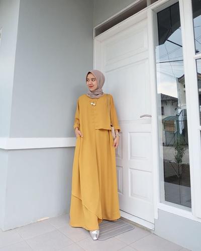 Minimalist Gamis Outfit dari EVOLVERE
