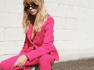 Anti Norak, Ini Tips Mix and Match Ini Bisa Bikin Colorful Blazer Terlihat Semakin Menarik
