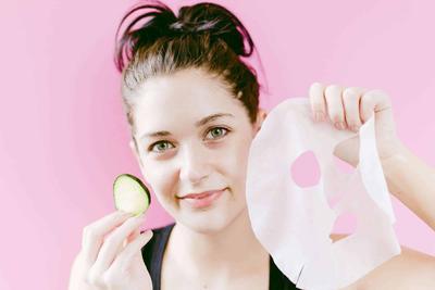 Cara Membuat Sheet Mask DIY yang Mudah dan Praktis untuk di Rumah, Cobain Yuk!