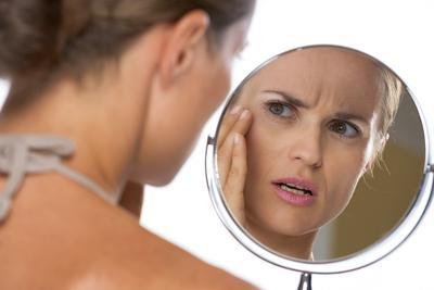 Ladies, Inilah Bahaya Membersihkan Wajah dengan Tissue Basah!