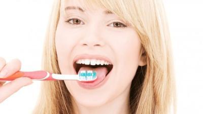 Tips 3: Bersihkan Gigi dan lidah