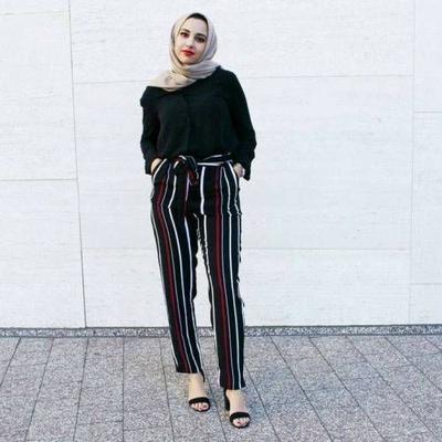 Beda Banget! Ini Dia Inspirasi Striped Pants untuk Hijabers yang Wajib Kamu Coba