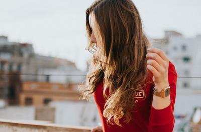 Ingin Rambut Sehat Setiap Saat? Siap Sedia 3 Produk Perawatan Rambut Ini di Dalam Tas!