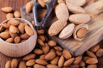 [FORUM] Katanya kacang almond bisa bantu tahan lapar loh!
