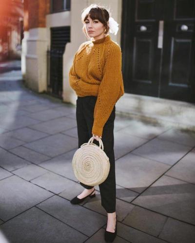 Round Hand Rattan Bag x Sweater