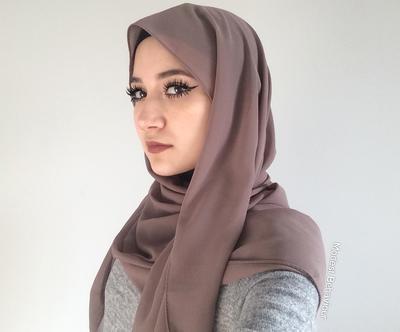 Kenali Lebih jauh Macam-Macam Bahan yang Biasa Jadi Hijab!
