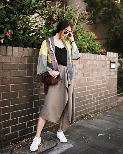 Assymetric Skirt with Outer and Sneakers