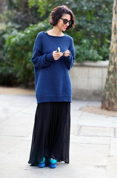 Oversized Sweter & High Heels