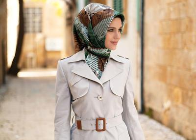 Tampil Cantik dan Fashionable, Begini Gaya Hijab yang Cocok Dipakai ke Kantor