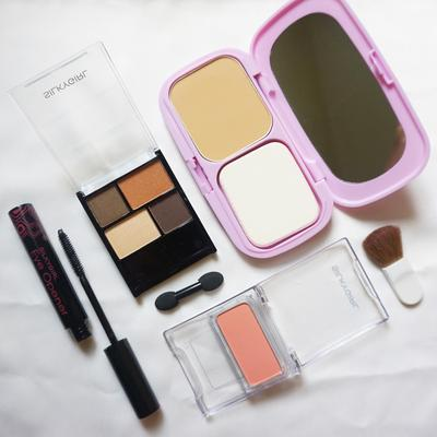 #NEWS Inilah Produk Make Up Silky Girl yang Wajib Masuk dalam Makeup Bag Kamu, Ladies!