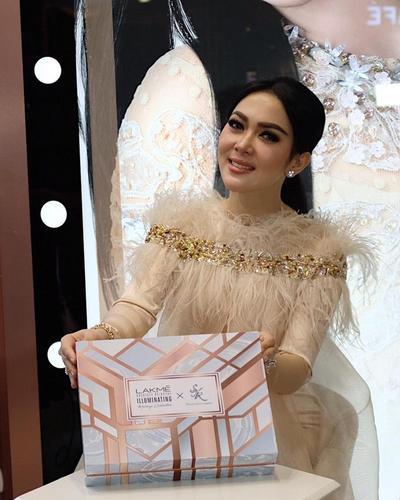 #NEWS Gandeng Sharini, LAKME Luncurkan The New and Limited Edition LAKME Illuminating Ramadhan Makeup Collection