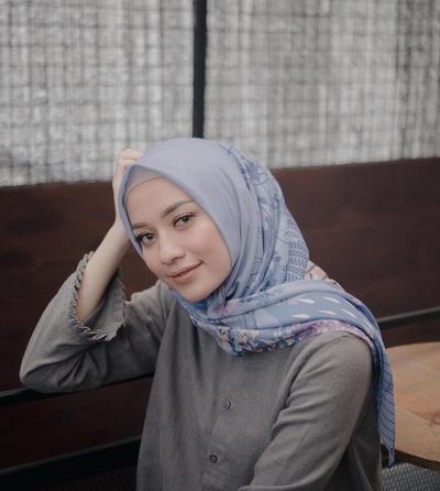 5 Pilihan Bahan Hijab Ini Anti Gerah dan Anti Panas, Dijamin Nyaman Dipakai!