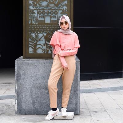 Modis Banget! Inspirasi Style Hijab untuk Kuliah di Luar Negeri Ala Richaeu Ini Wajib Kamu Contek