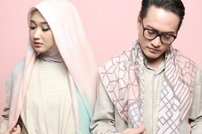 #NEWS Hijab Pelangi Asmara, Hasil Kolaborasi Dian Pelangi dan Barli Asmara yang Must Have!