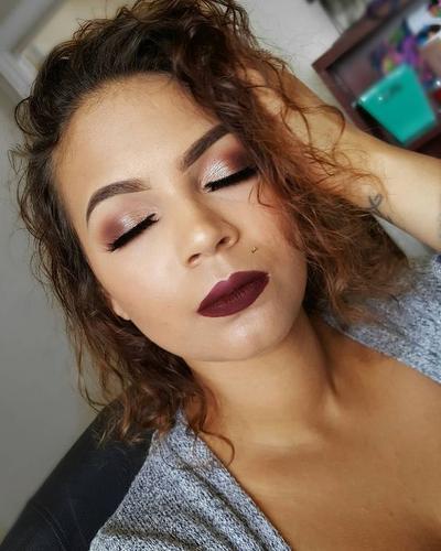 Tampilan Makeup Mata Lebih Cantik dan Smokey dengan Eyeshadow Palette Morphe 25C!