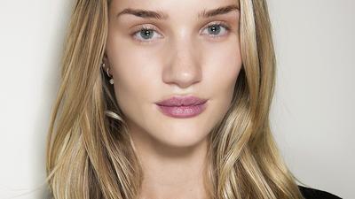 Lip Treatment Untuk Bibir Lebih Plump